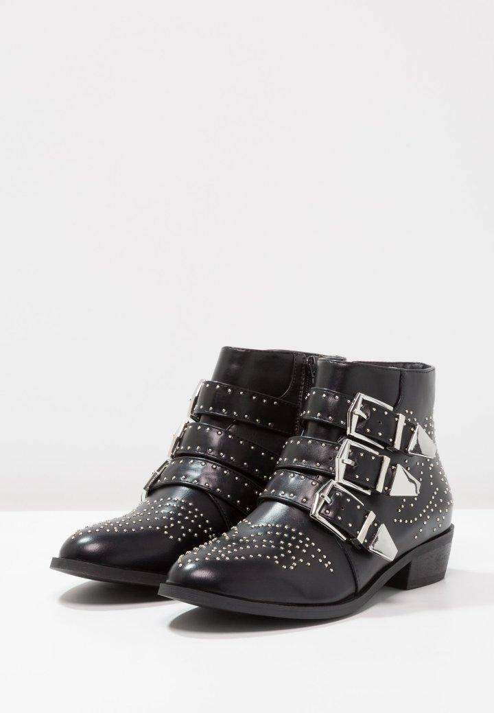 Raid boots
